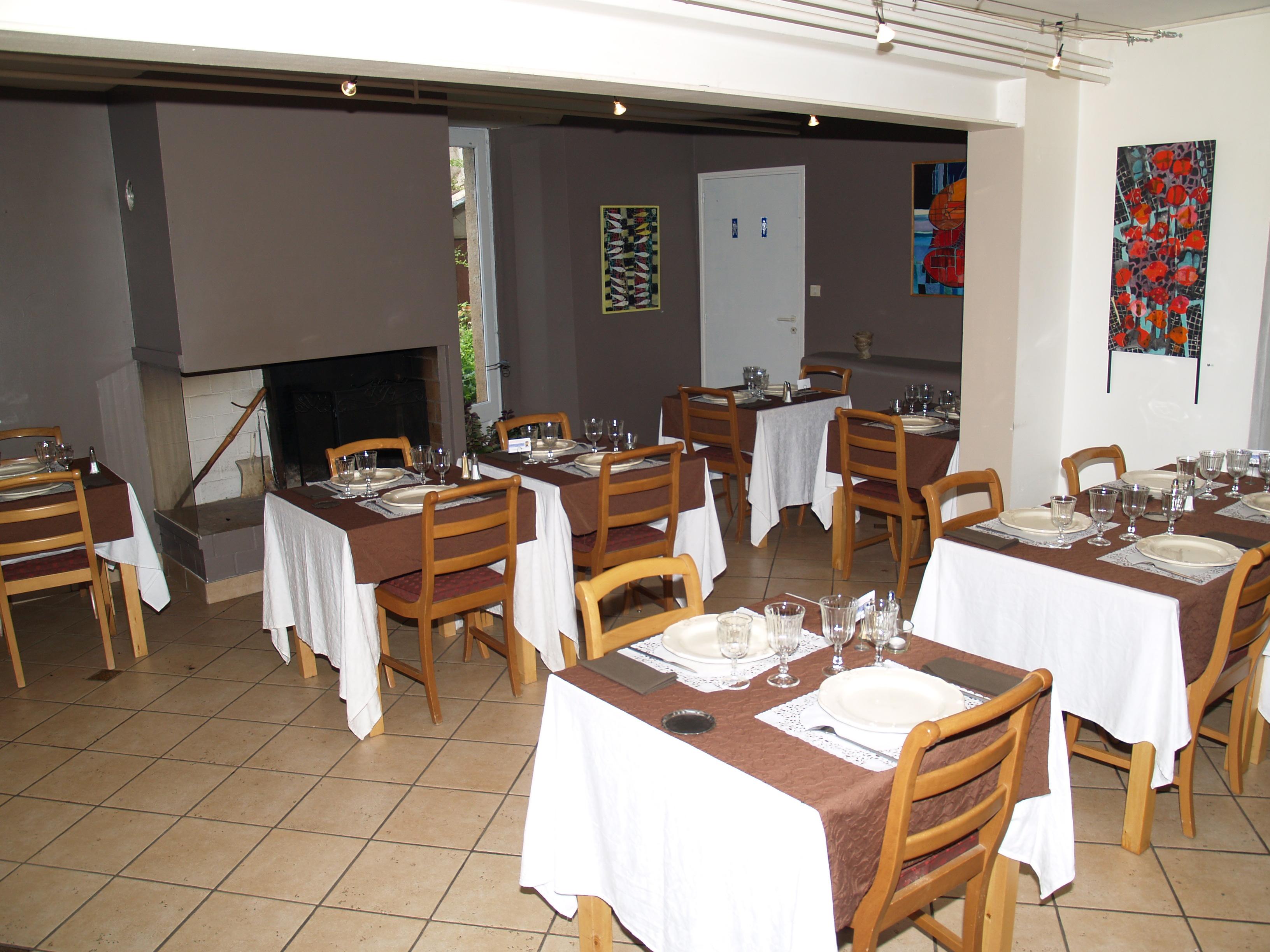 Galeries d imagesles tables de la fontaine les tables de la fontaine - Les tables de la fontaine ...
